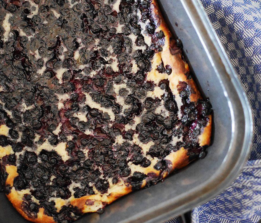 Ofenpfannkuchen mit Blaubeeren