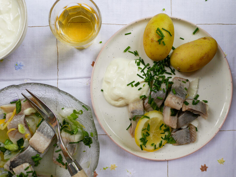 Schwedische Heringe mit Zitrone