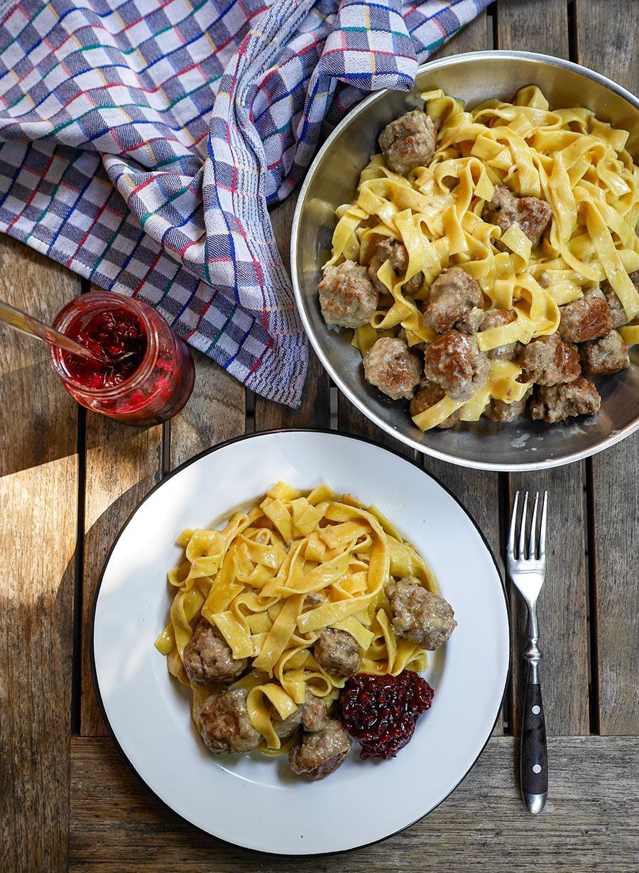 One Pot Pasta mit Köttbullar