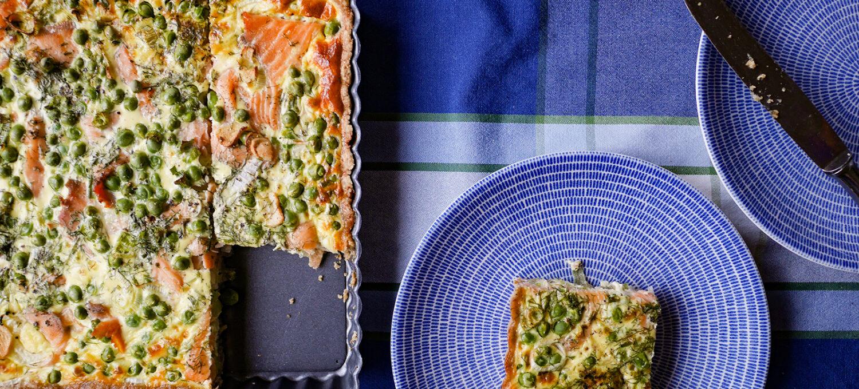 Lachs-Erbsen-Quiche mit Roggenteig