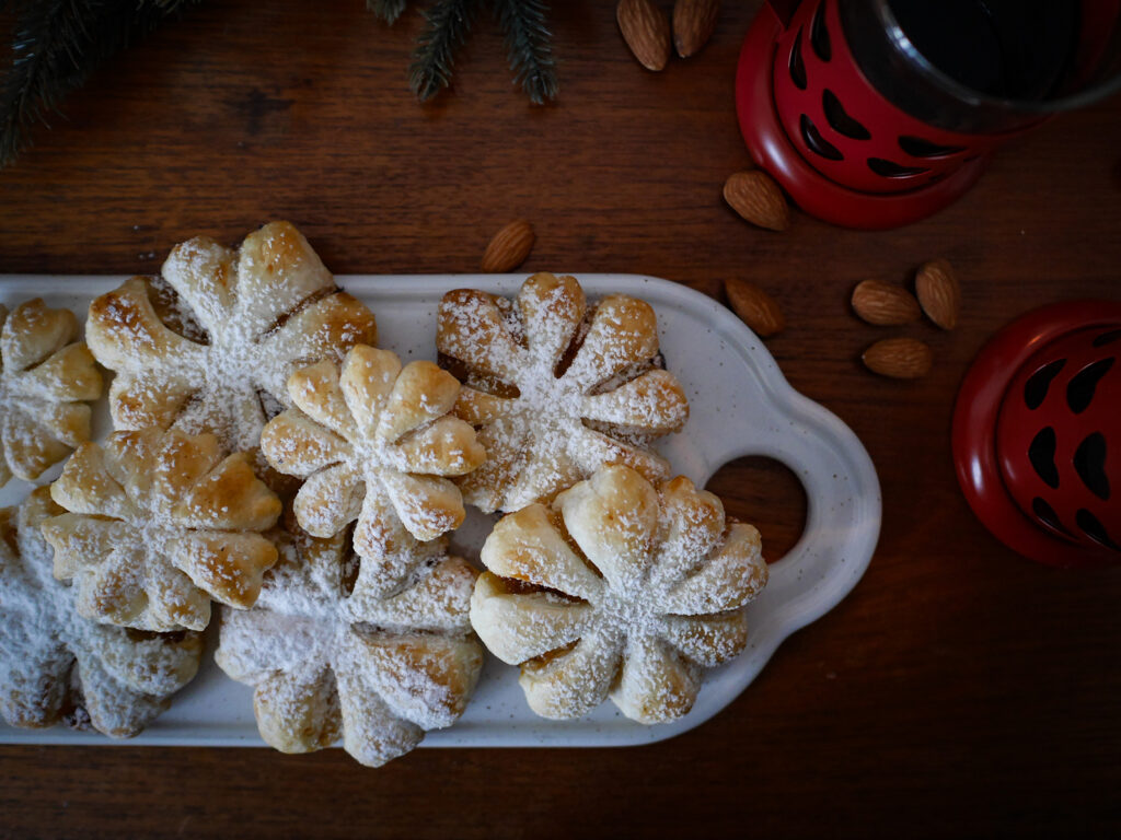 Schneeflocken-Blätterteigtörtchen-