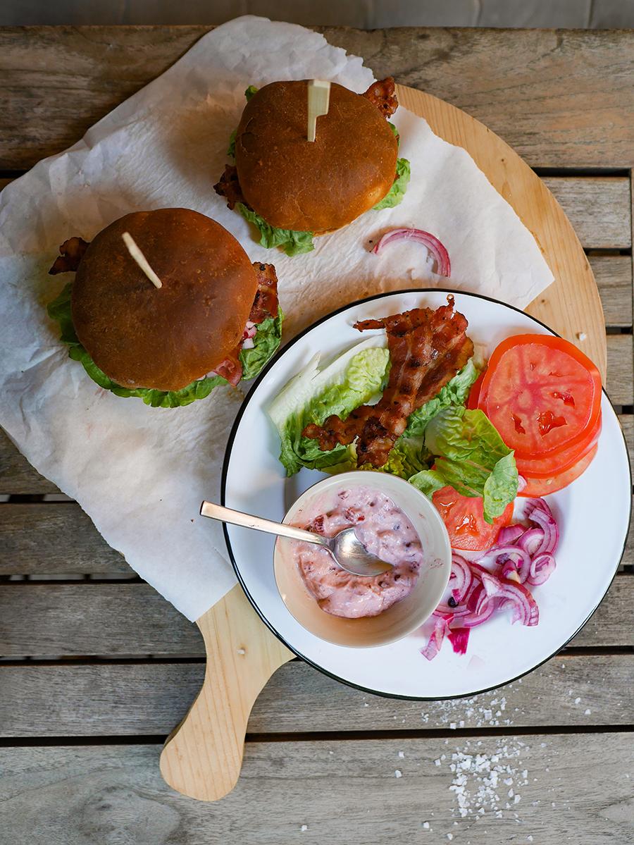 norwegische Burger mit Elchfleisch