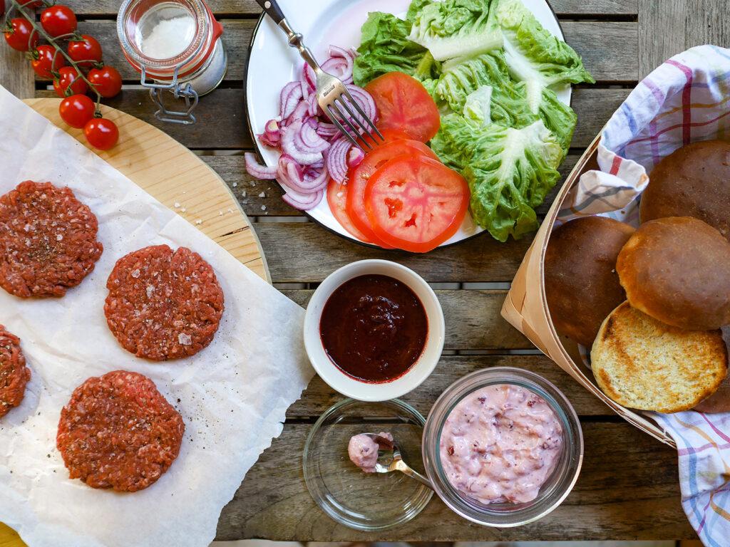 Burger mit Elchfleisch Pattie